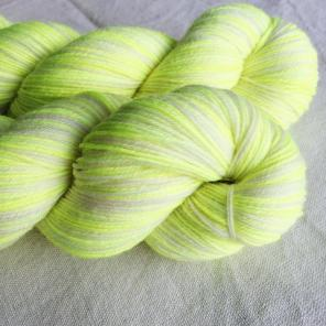 yarn-euro-sock-edison-bulb-wash-1_large
